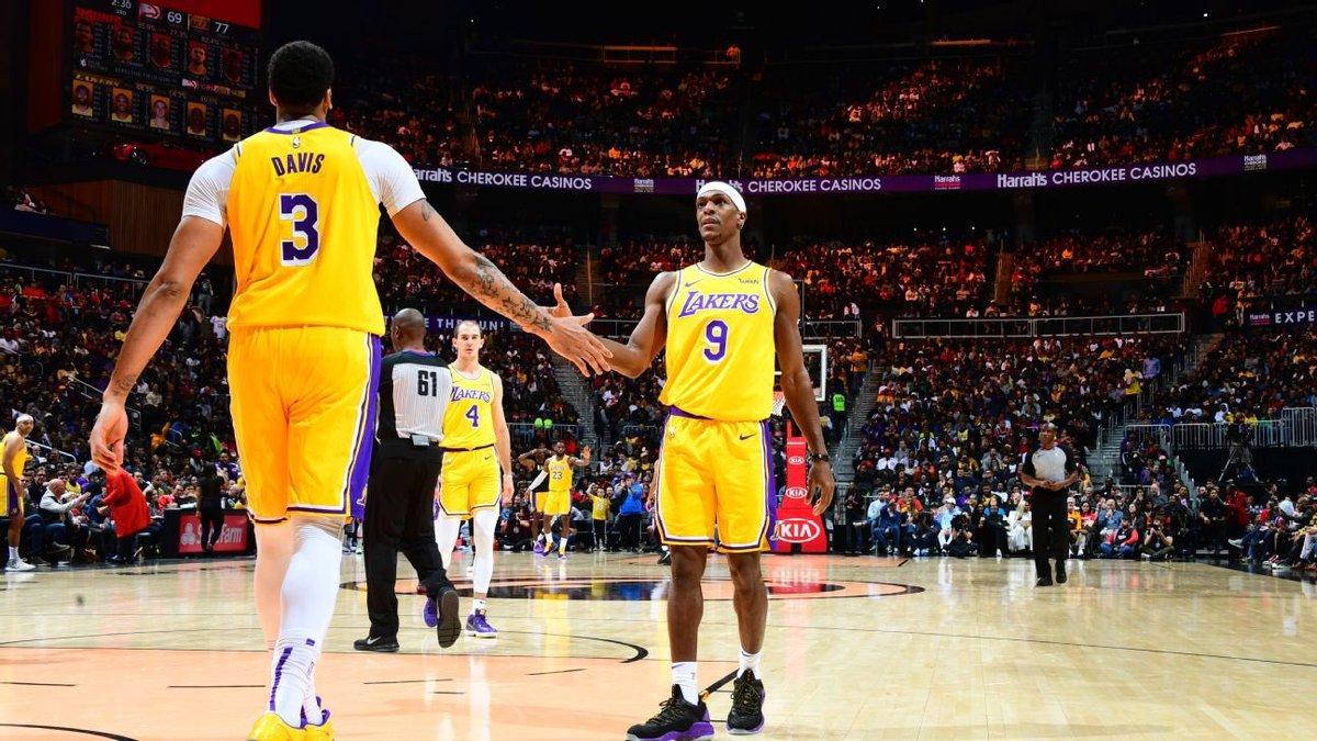 كلُُ من راجون روندو وأنثوني ديفز غير مؤكد مشاركتهم في مباراة بوسطن ، والاخير لم يتمرن في هيوستن كما كان مخطط له .  #LakeShow #LakersAR
