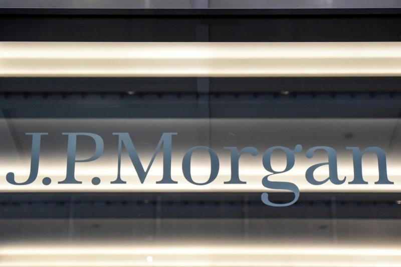 JPMorgan to buy Paris building to bring euro teams from London https://reut.rs/2TDiZUD