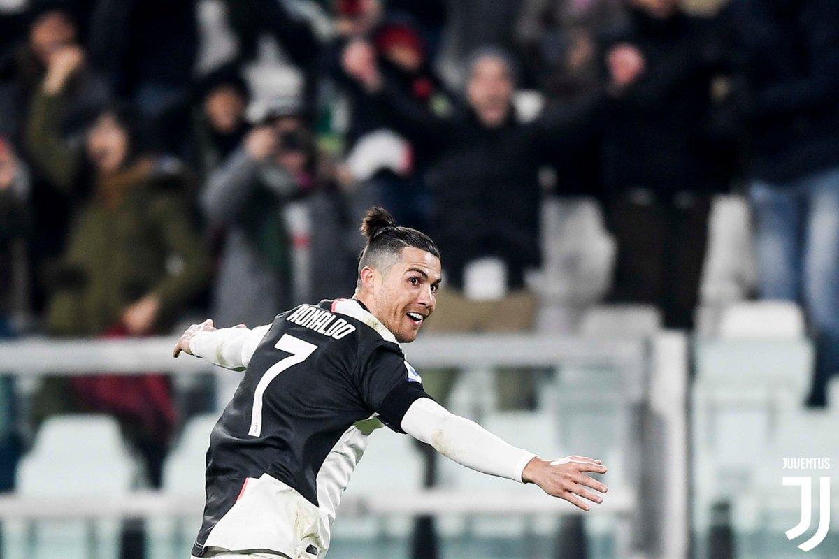🔥 @Cristiano  va in gol da sette partite consecutive di @SerieA: l'ultimo giocatore della Juventus a riuscirci è stato @Trezegoldavid nel dicembre 2005 (nove in quel caso) 🔥  #JuveParma