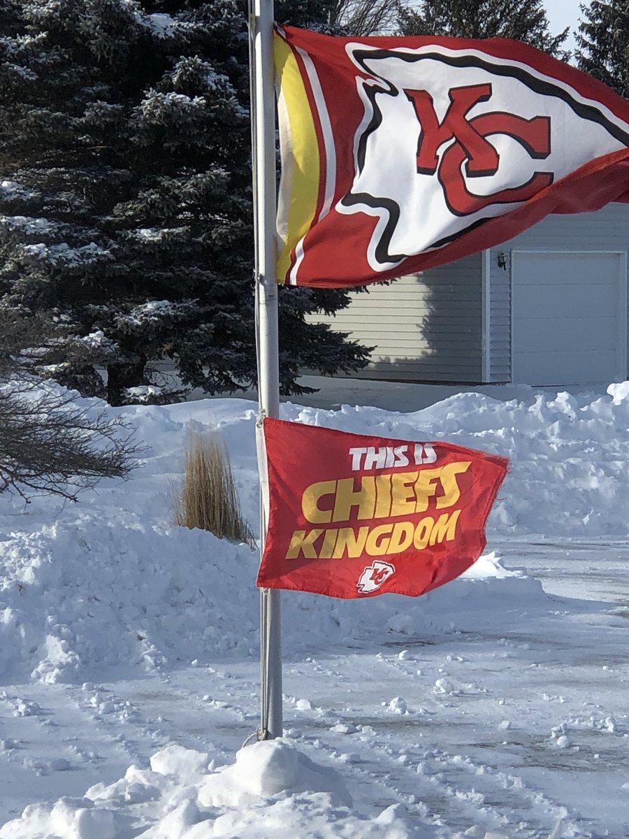 Flying proud in frigid NW Iowa @Chiefs #ChiefsKingdom <br>http://pic.twitter.com/RLH5SrkVsI
