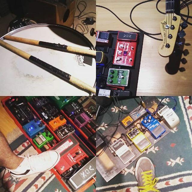 Sábados de ensayo #Siva en @espaciocoda  - - #sivarawk #cr20años #alternativerock #guitar #drums #bass #vocals #bandrehearsal #live #summerfest #argentinapic.twitter.com/3ld7MQ1Yst