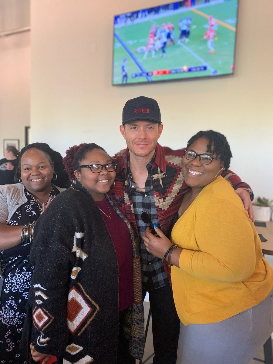 Thank you @JensenAckles for a trip made even more amazing! Never know what's gonna happen @TheFamilyBeer <br>http://pic.twitter.com/4gXDyTdtDf