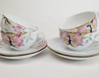 Vintage #Noritake Azalea Pattern 19322, handpainted in Japan. Elevate your dining experience - and take 20%! https://www.etsy.com/shop/FussbudgetVintage?ref=simple-shop-header-name&listing_id=698565844&search_query=azalea … #vintagechina #etysshop #flowerpower #dineresponsibly #dineostentatiouslypic.twitter.com/PL2QrGxfNh