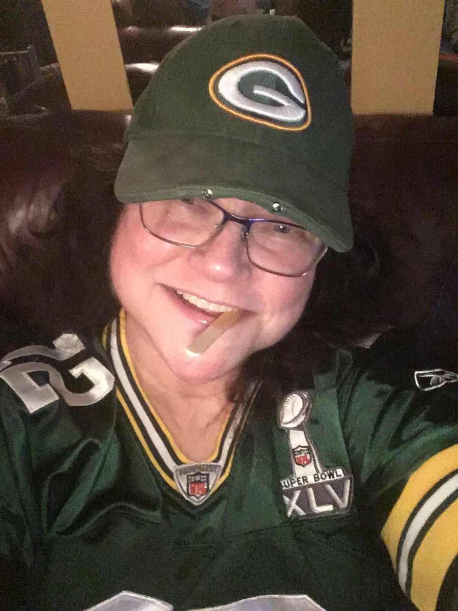 #GBvsSF 💚💛💚 #Packerrollcall 💚💛💚#PackersEverywhere 💚💛💚❤️❤️❤️❤️❤️Eustis, SunshineState's Most Hopeful Lady Fan wishing you all a successful and safe game! 🏈#NFLPlayoffs