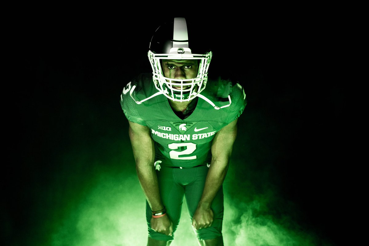 After a amazing OV, I am blessed to receive an offer from Michigan State University ! #GoGreen #Spartans @MSUTSamuel <br>http://pic.twitter.com/KZ0V0e6NOH