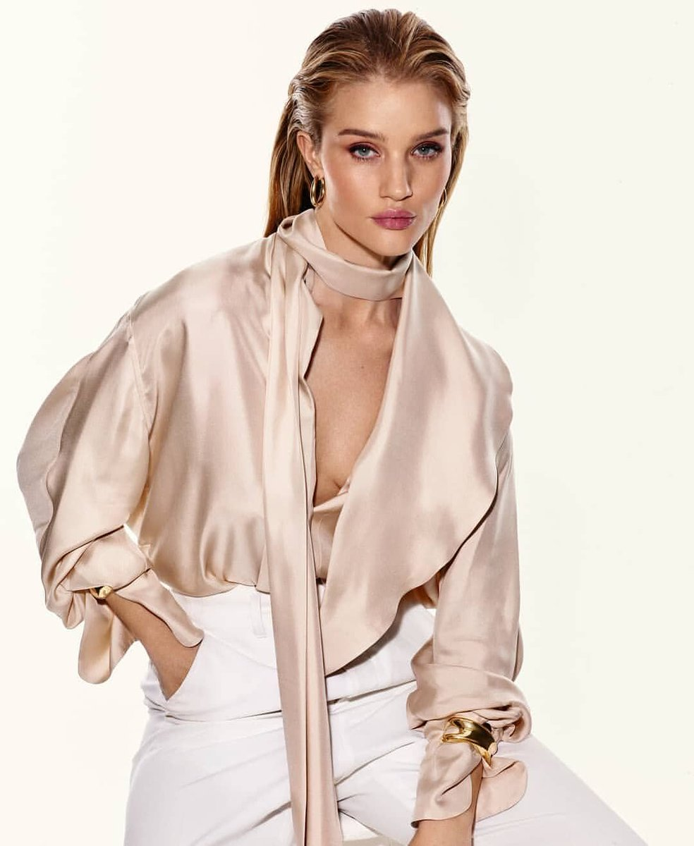 Rosie Huntington-Whiteley (@RosieHW) for The Sunday Times Style Mag 2020. pic.twitter.com/p4vl5HPxD9