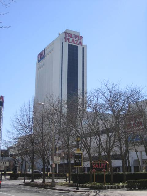 #AtlanticCity Mayor @marty_small calls closed and vacant #TrumpPlaza an #eyesore. Plaza was part of @realDonaldTrump bankrupt casino empire. Mayor wants Plaza demolished.  https://www.casino.org/news/atlantic-city-mayor-demands-demolition-of-vacant-trump-plaza/…pic.twitter.com/4ZmqGe182O