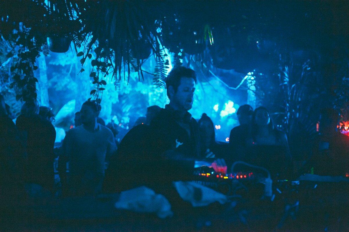 Con una impecable selección musical, Guy Gerber nos hizo bailar al ritmo de la noche de #Tulum en #XXWinterbeach🌴 https://t.co/WQXF6cK3so