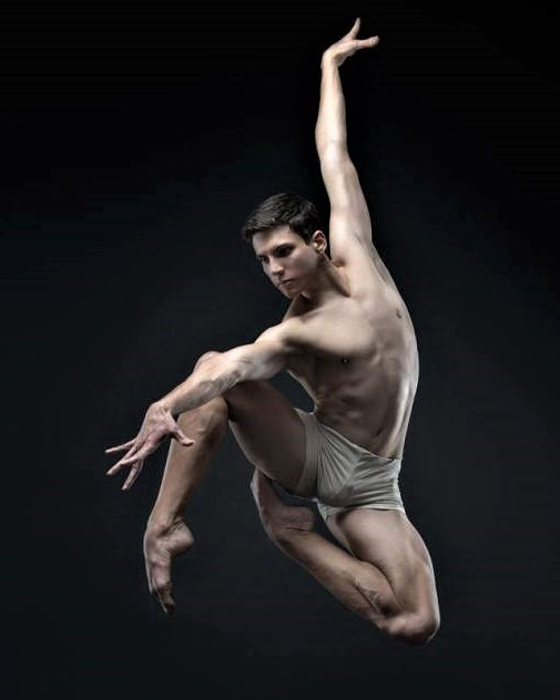 #BalletFascination #BalletDancer #CarlosClaramunt by #CarlosQuezadapic.twitter.com/9KBDlFfPQd