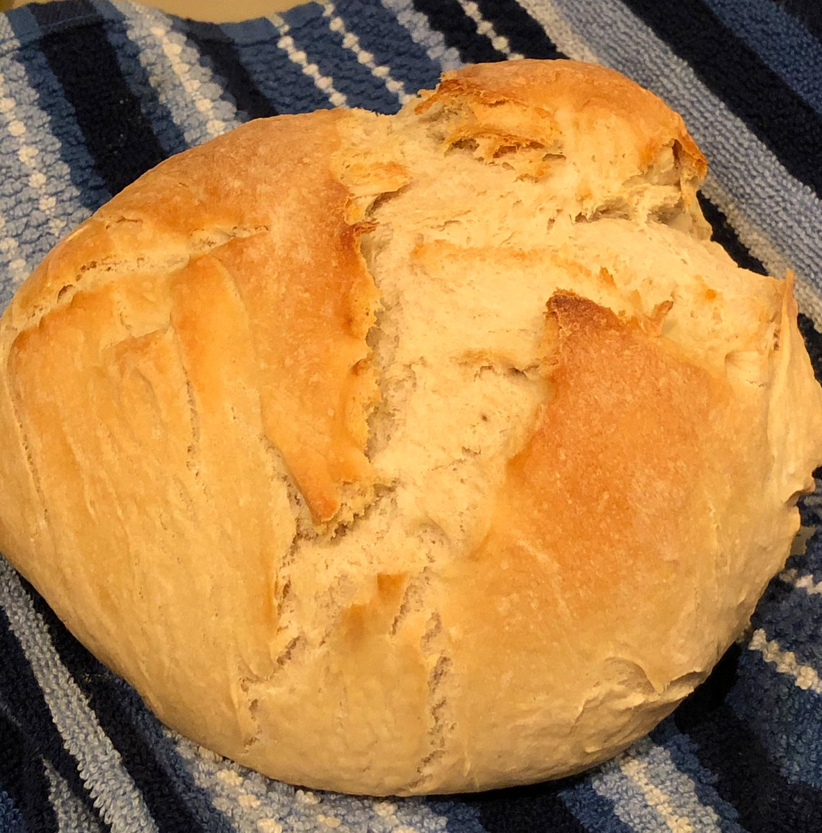 Made some #SelfCare bread on day 2 of my hybernation pic.twitter.com/37HPTJWIe0