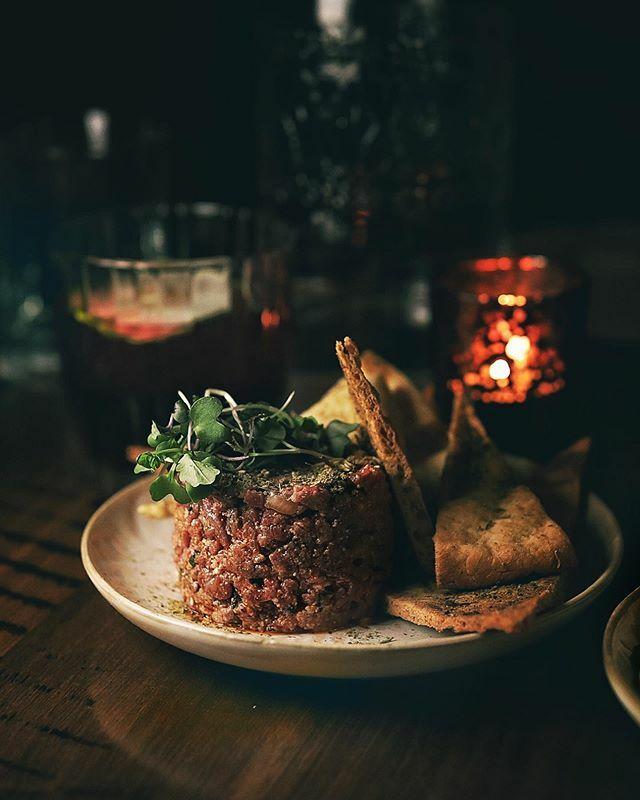 That late night special @bar_sybanne . . . . . #menwithcuisine #tofoodies #tartare #moodygrams #hummus #torontofood #shotoncanon #hkfoodblogger #buzzfeast #ilovefood #lifeandthyme #foodart #vscocook #heresmyfood #foodvsco #chasinglight #huffposttaste #instayum #foodcoma #eat…pic.twitter.com/dA57sIUaBk
