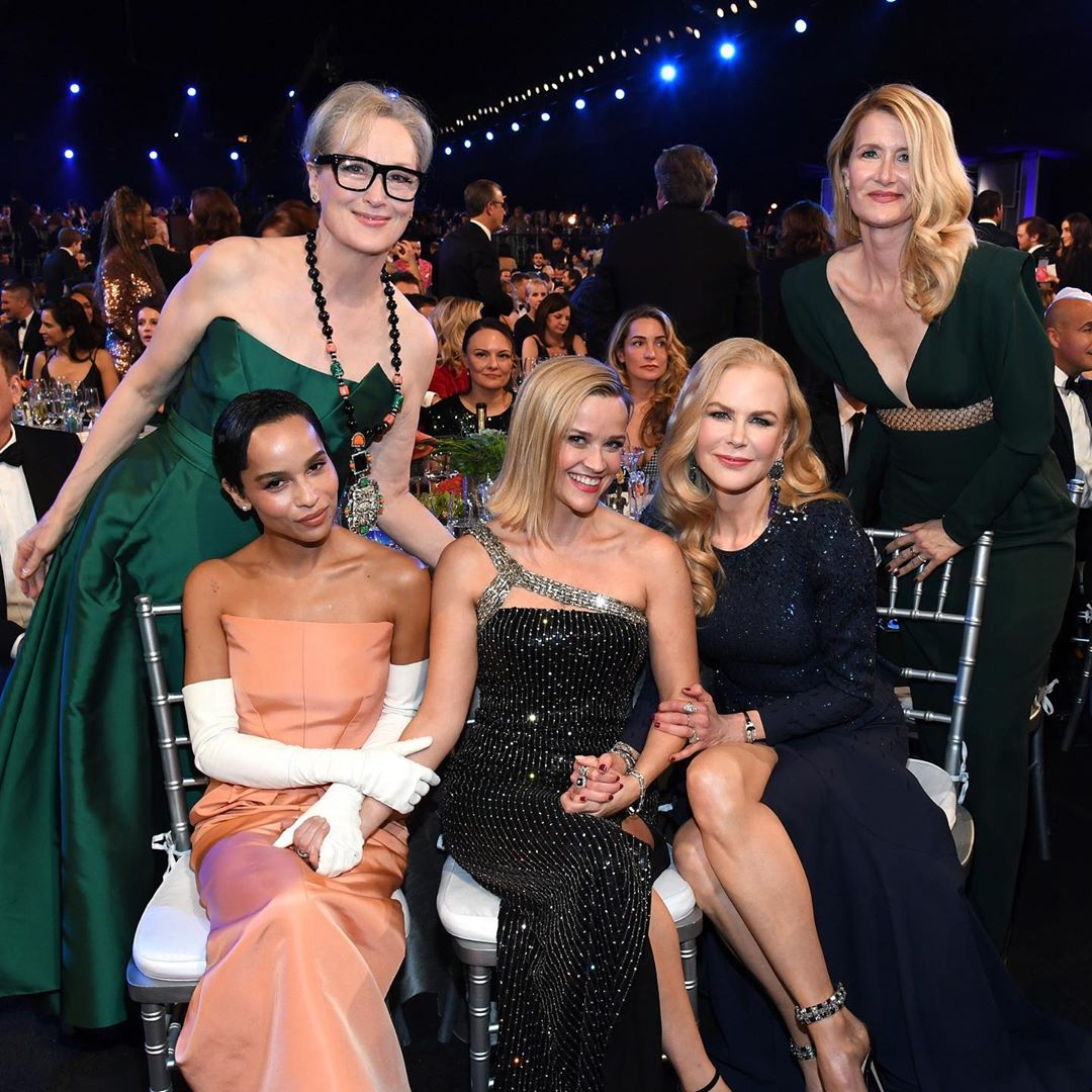 Nicole Kidman with Meryl Streep, Zoe Kravitz, Reese Witherspoon and Laura Dern at the #SAGAwards #BigLittleLies <br>http://pic.twitter.com/2OrYp3ucBg