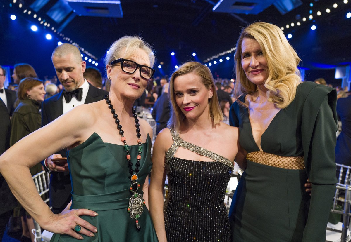 Just a little #BigLittleLies reunion at the #SAGAwards...<br>http://pic.twitter.com/9O2Y9yvGNw
