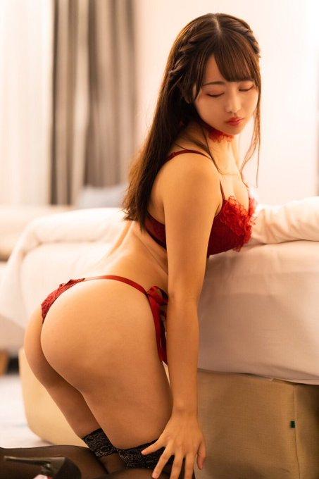 グラビアアイドル櫻栞のTwitter自撮りエロ画像5