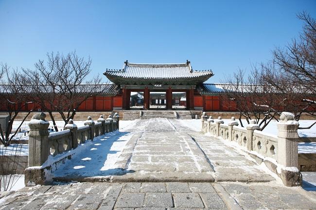 This year's Seollal is on January 25!  Here are a few places with free admission during the holidays!  Read our news for more info.  Travel news: http://ow.ly/cam350xZs6Jpic.twitter.com/S46JA2BEP8