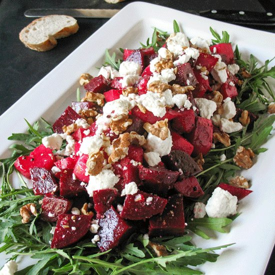 A super easy #roasted #beetroot #salad, with #goatscheese & #walnuts. Delicious served as a side dish for a #BBQ or as a great #vegetarian main meal #salad with loads of crusty #bread. Perfect for your #AustraliaDay celebration #glutenfree http://bit.ly/2F3enikpic.twitter.com/iHPYGoRbNc