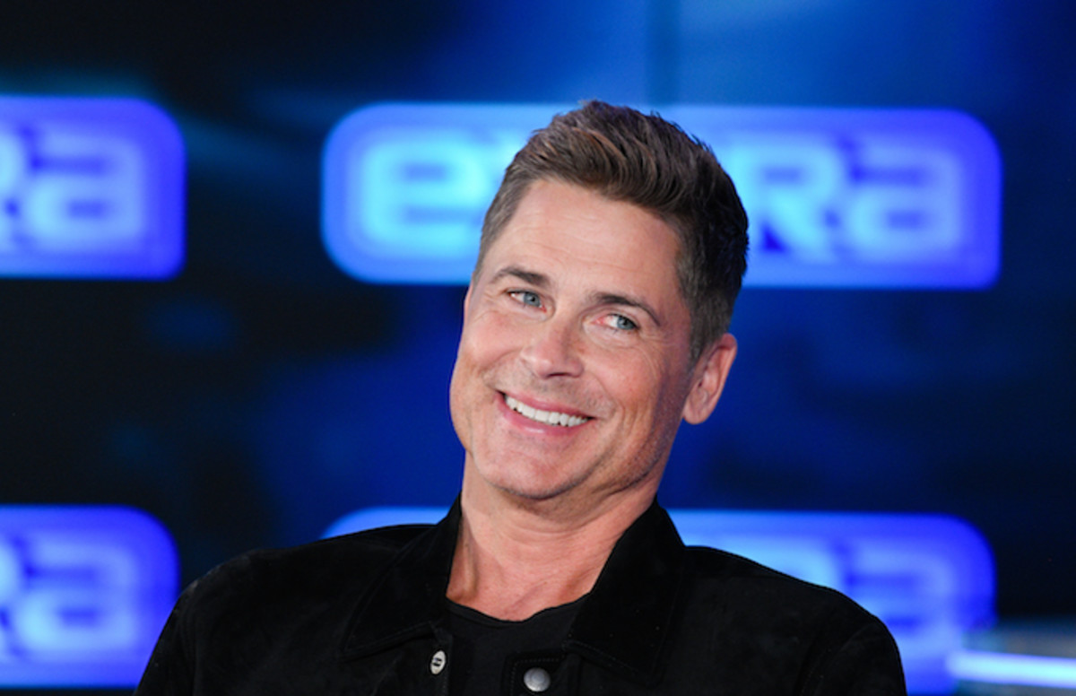 Rob Lowe gets roasted for wearing NFL hat during NFC championship Game cmplx.co/WMyNNEU