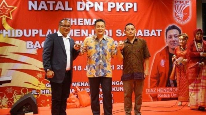 Mantan Preman John Kei Jadi Kader BaruPKPI http://nawacita.co/index.php/2020/01/20/mantan-preman-john-kei-jadi-kader-baru-pkpi/…pic.twitter.com/QY9cqK3qkT