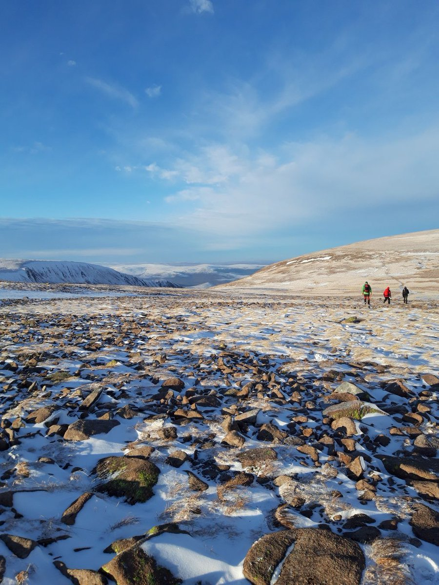 One of my favourite pictures from the recent #guidebase team trip to the cairngorms, we were blessed with light wind and blue skies on the plateau!  #guidebase #hillwalking #mountaineering #winter #scotland #cairngorms #benmacdui #winter