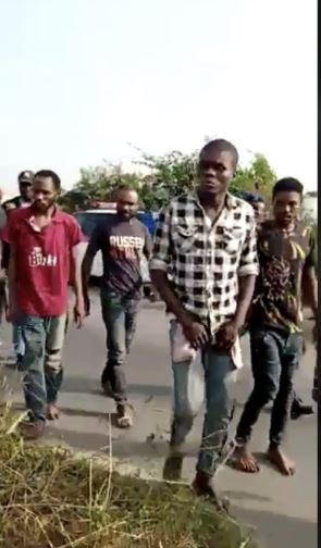 Deadly Kidnappers Who Murdered Wealthy Businessman Finally Arrested (GraphicVideo) https://www.sabonews.org/2020/01/20/deadly-kidnappers-who-murdered-wealthy-businessman-finally-arrested/…pic.twitter.com/DXcVsWil07