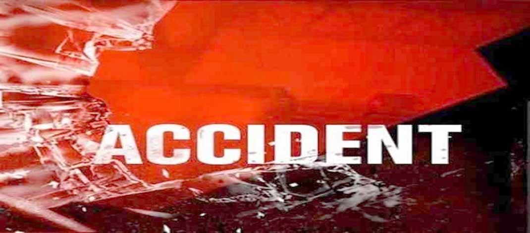 A truck and a Fortuner car collided on National Highway 58 in Churu, Rajasthan.In the accident on Monday morning, 7 out of 8 people riding in the Fortuner have died.The people in the train were going from Rollsahabsar towards Sujangarh.Salasar https://aapnugujarat.net/archives/72269pic.twitter.com/vCHcAZWTcp