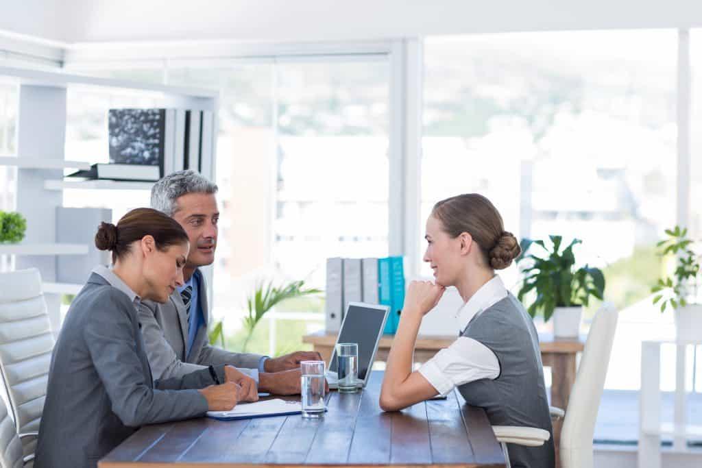 Interview Tips for Executives http://dlvr.it/RNMyd3 Via @MikeMyattpic.twitter.com/K5sfp0JR9f