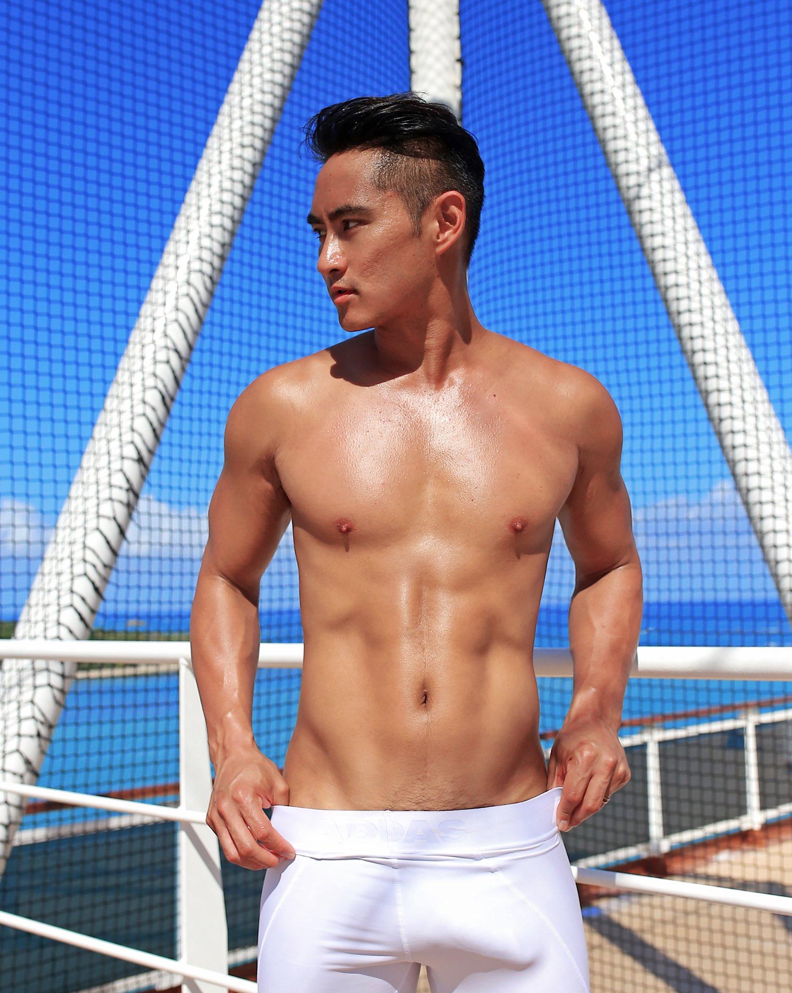 2011 - 2012 | Manhunt - Mister International - Mister Universe Model | Hawaii - USA | Rhonee Rojas - Page 35 EOtRLz1U0AA9rNP?format=jpg&name=4096x4096