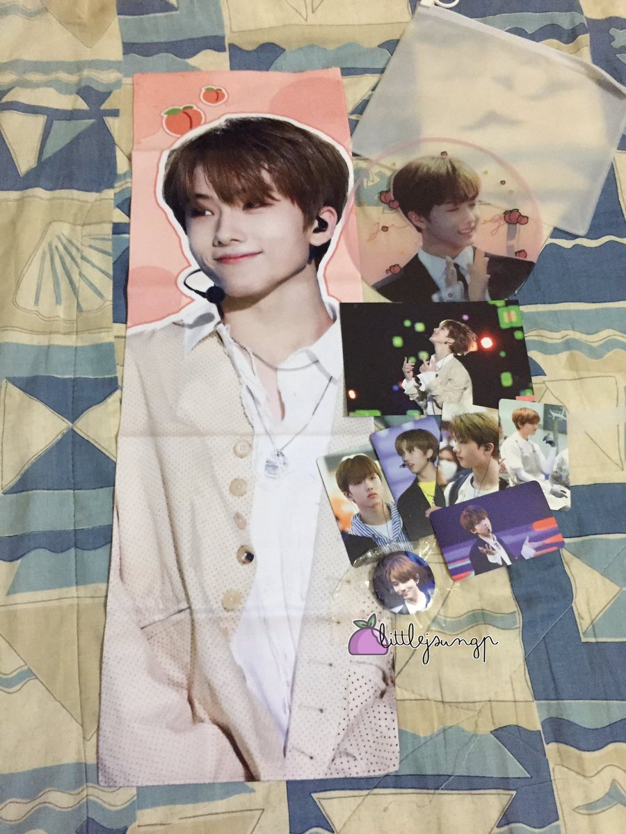 [HELP RT] | WTS  NCT Dream Park Jisung @/mirage0205 Peach Version Slogan Readystock  RM85 exc postage  -can nego -95% as magical reflection folded (defect from fs) -free set of jisung season greeting 2020 w/o pob pc -Haven't use for any event or concert.  DM to buy. pic.twitter.com/A3zG79OFo5