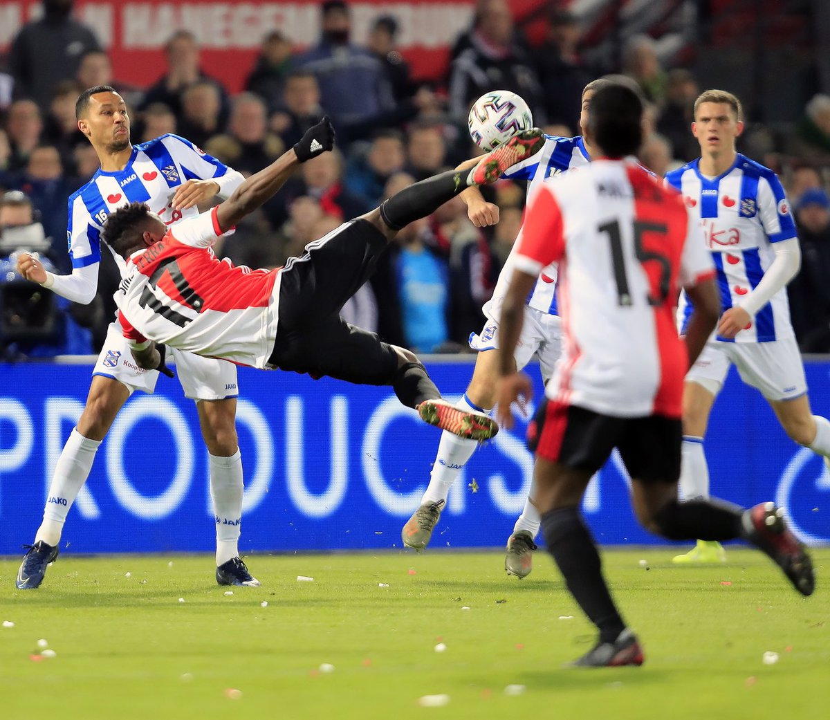 test Twitter Media - Flying into a new week like...   #feyhee #Feyenoord https://t.co/HewbCdNFs9