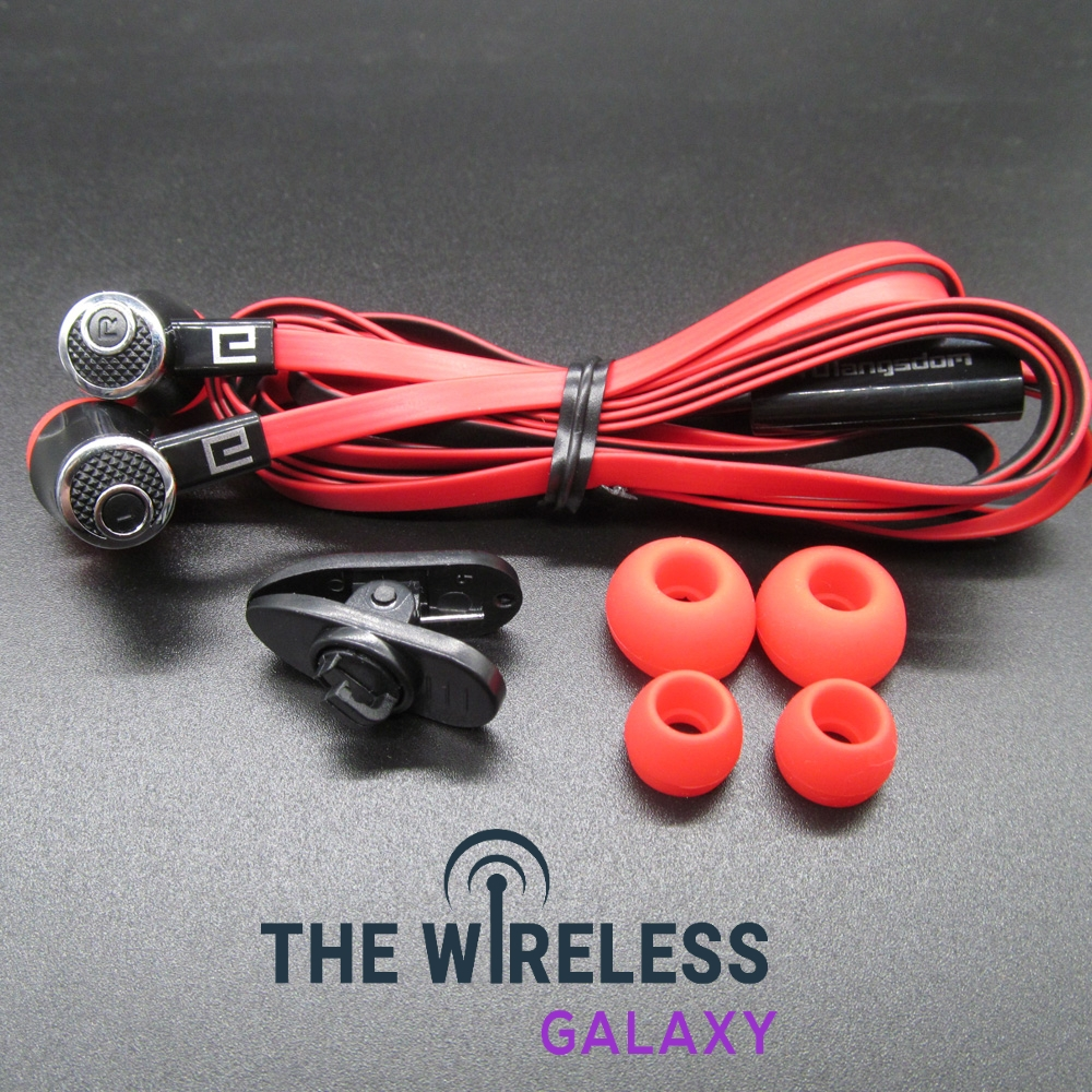 Super Stereo Headphones for Phones.  https://thewirelessgalaxy.com/product/super-stereo-headphones-for-phones/….  8.99.#technologyrules pic.twitter.com/elPNelvejJ
