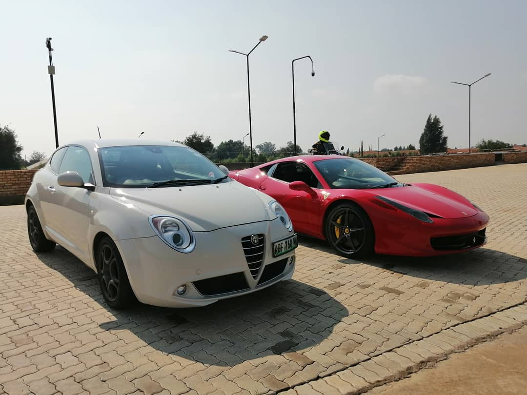 What's better than an Alfa Romeo? Nothing really. But a Ferrari sure does come close My MiTo loves it when she sees one of her cousins from Maranello! Okay, maybe it's me who loves it...  #alfaromeo #ferrari #tifosi #alfisti pic.twitter.com/xm9XJF7civ