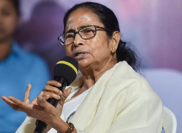 West Bengal CM Mamata Banerjee:I appeal to governments of all northeastern states and opposition ruled states that before taking any decision on conducting NPR, the state governments should study it carefully carefully. I appeal to all states to pass resolution against CAA. (ANI) <br>http://pic.twitter.com/HytIv5IkKY