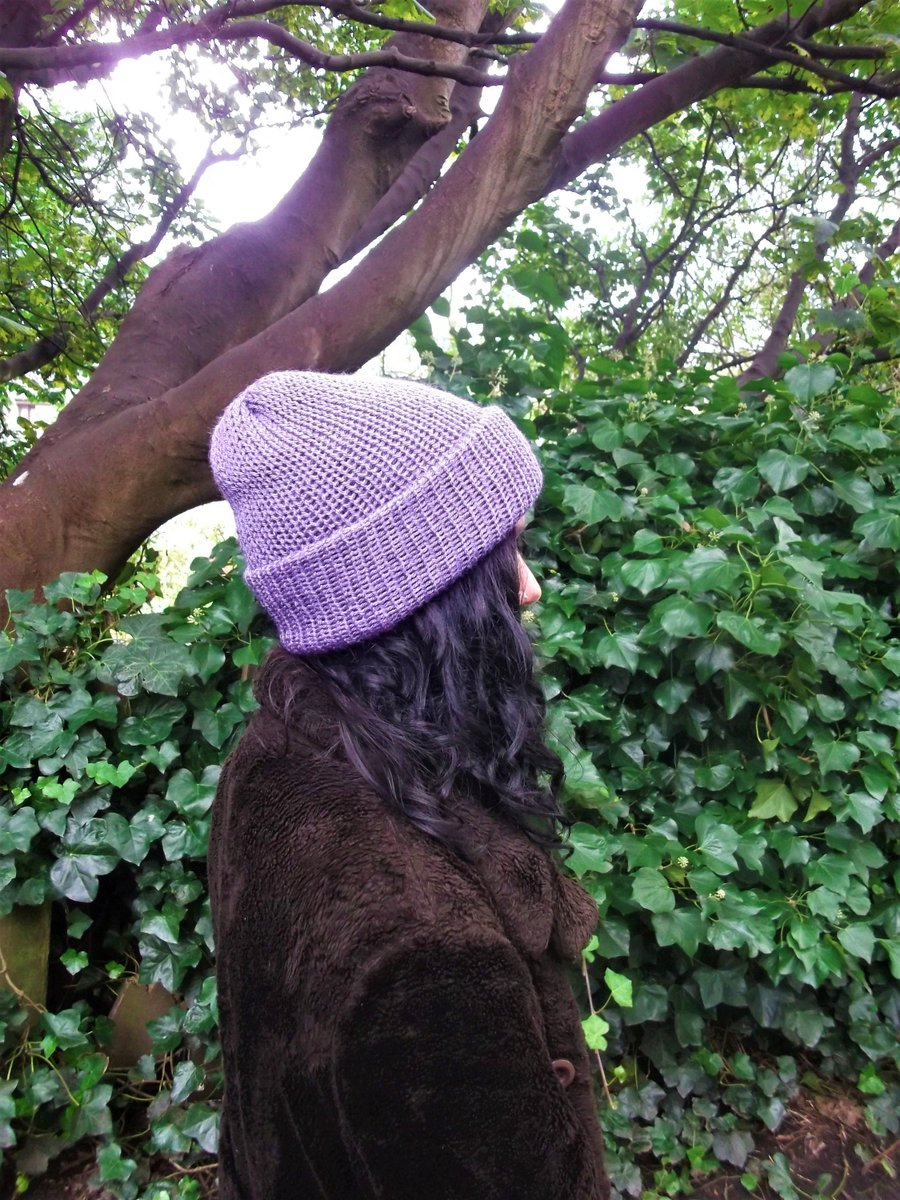 Violet purple knitted hat, handmade with soft acrylic wool, can be worn as a fisherman beanie or slouchy hat, one size fits all, 90s grunge https://etsy.me/3ap68LD #Handmadehour #Veganfashion #Grunge #Lelsloom #Etsy #Shopping #Knittedhats #HatsWomenpic.twitter.com/K3pzpS94Dz