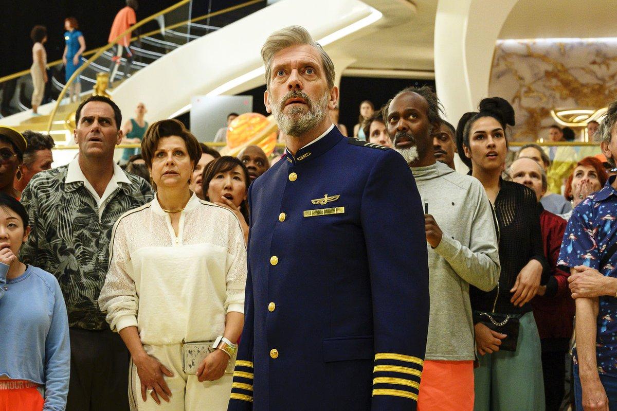 Hugh Laurie brillerer som kaptajn på et overklasse-cruise i det ydre rum, men de mange punchlines fra Veep-skaber Armando Iannucci svæver i atmosfæren. Læs anmeldelse af Avenue 5, som har premiere i dag på @HBOdk https://www.ekkofilm.dk/anmeldelser/avenue-5/…pic.twitter.com/2xVyVO5TJJ