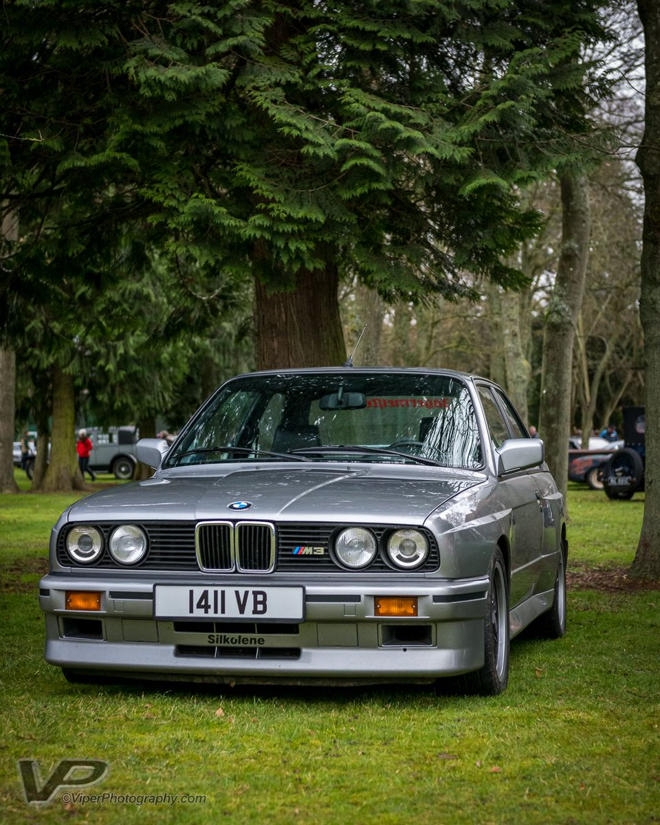 A beautiful E30 M3 at Sunday Scramble. Such a timeless, good looking car.   #bmw #m3 #e30 #1989 #bicesterheritage #sundayscramble #carshows #classiccars #classiccarshow #nikon #carphotography #carsofinstagram #carshow #classic #germanengineering pic.twitter.com/8218y1Uw5K