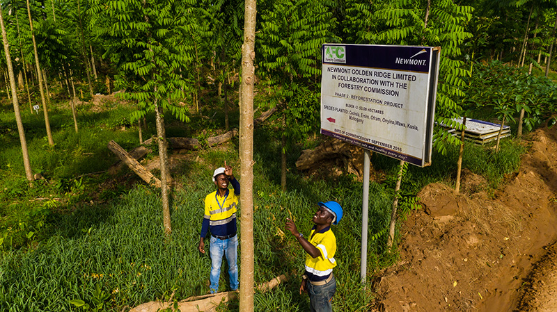 Newmont commits to provide compensation to eligible individuals projected to requirerelocation  https:// goldstreetbusiness.com/news/newmont-c ommits-to-provide-compensation-to-eligible-individuals-projected-to-require-relocation/  … <br>http://pic.twitter.com/ZXGI4eBewJ