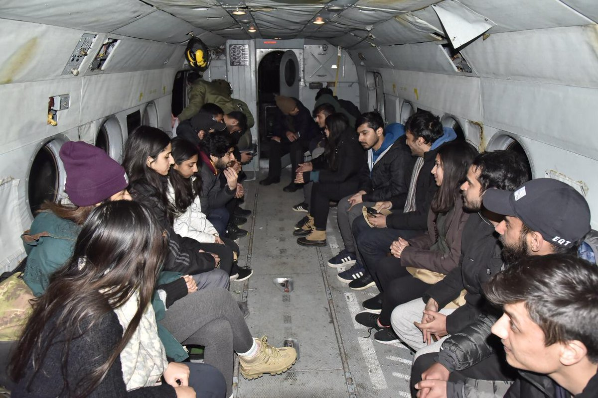 22 LUMS Students Stuck In Gilgit Rescued By Pak Army  https:// regionaltelegraph.com/2020/01/20/22- lums-students-stuck-in-gilgit-rescued-by-pak-army/   … <br>http://pic.twitter.com/s3YGh9tvXI
