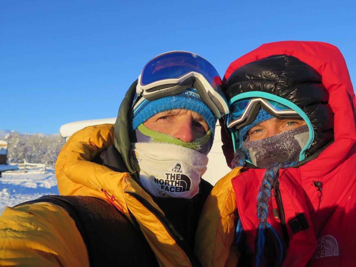@morosimone  y #TamaraLunger dejan huérfana la campaña invernal por un accidente en una grieta.  Están vivos, que es lo más importante. #winter #karakoram #alpinismo