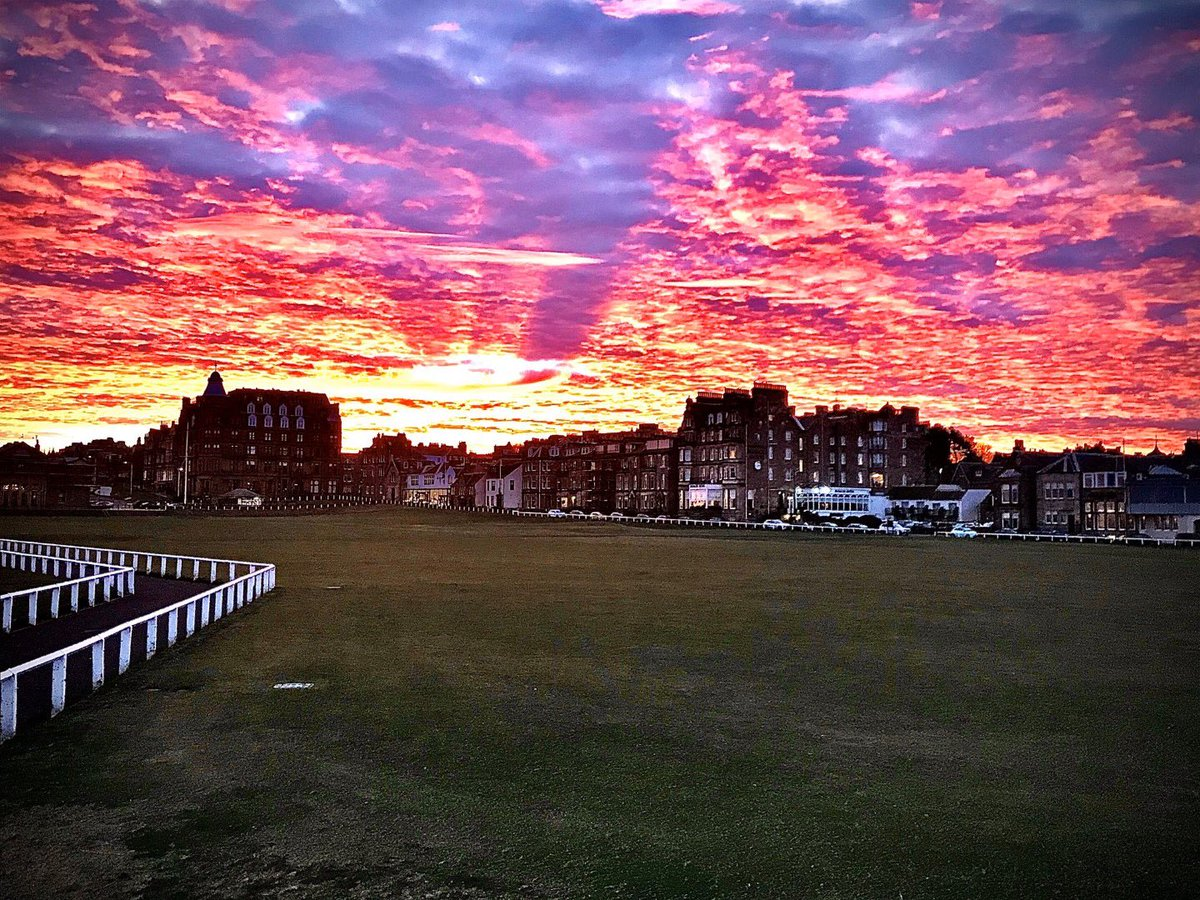 Sunrise on The Old Course @TheHomeofGolf #kenonthecourse