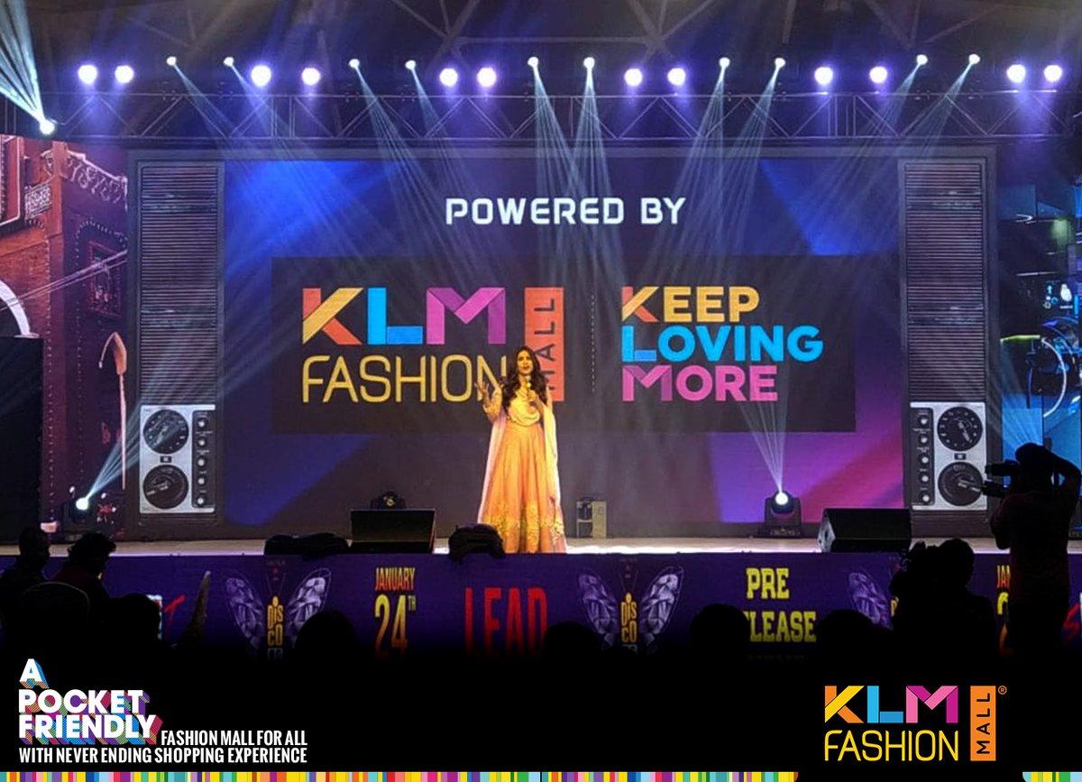 #DiscoRaja #Tollywood #Movie #Prerelease #Event #RaviTeja #PayalRajput #NabhaNatesh #KLMFashionMall #KeepLovingMorepic.twitter.com/js55q3sk9h