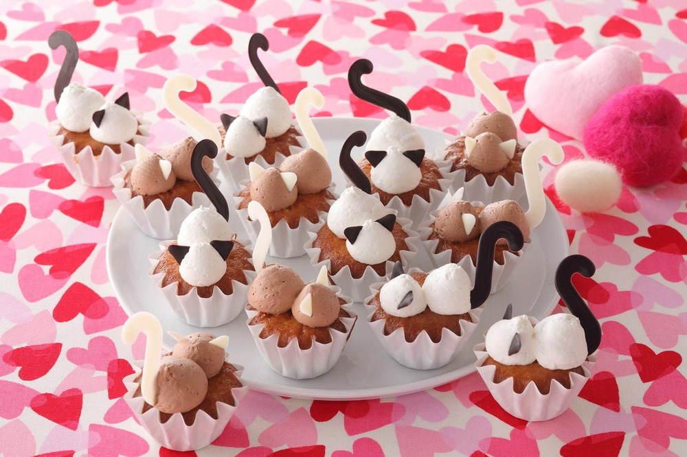 """""""猫スイーツ""""食べ放題の「スイーツパラにゃんス!」全国スイパラで、肉球柄ケーキ&しっぽ付きゼリー -"""