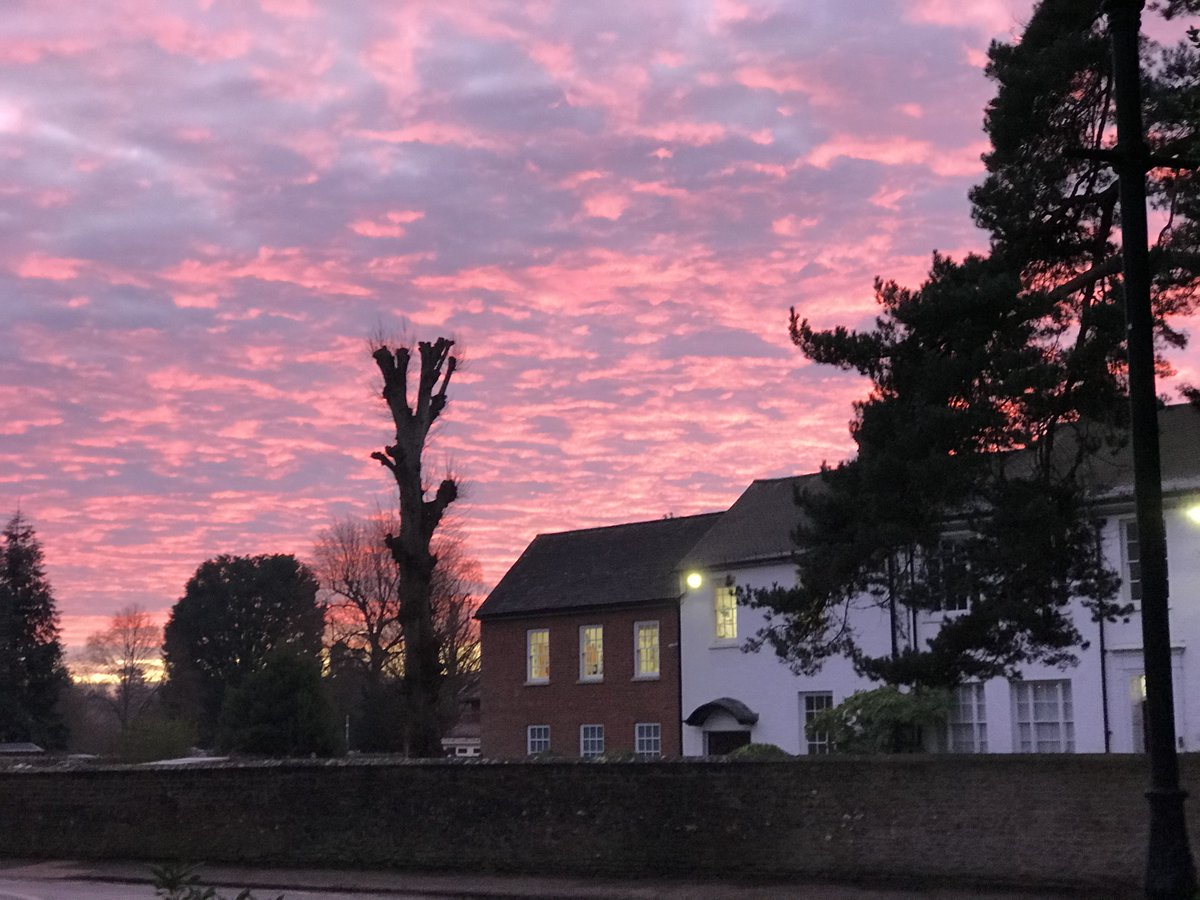 Sunrise over the Prep School on a cold, bright January morning. #Sunrise #Seizetheday <br>http://pic.twitter.com/7p7igsLaAI