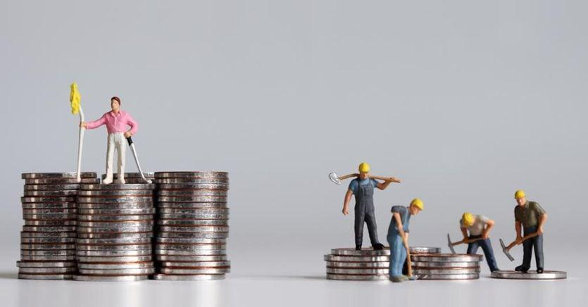 L'Italia delle disuguaglianze: 3 miliardari più ricchi di 6 milioni di poveri https://www.ilsole24ore.com/art/l-italia-disuguaglianze-3-miliardari-piu-ricchi-6-milioni-poveri-ACIWc4CB?utm_term=Autofeed&utm_medium=TWSole24Ore&utm_source=Twitter#Echobox=1579522293…pic.twitter.com/7XHDPwnsxk
