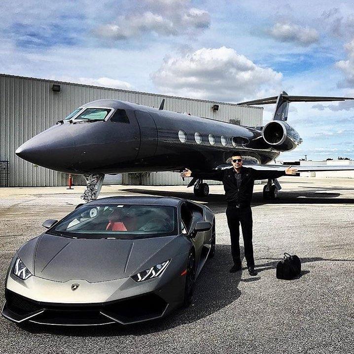 El número de multimillonarios se ha duplicado en la última década http://bit.ly/2G3GluFpic.twitter.com/PWXrL2djpa