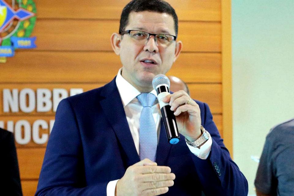 Governador coronel Marcos Rocha envia mensagem pela criação e instalação do Estado e enumera ações de sua admi - Rondônia Dinâmica http://dlvr.it/RNNxY7pic.twitter.com/qNAIfhofxc