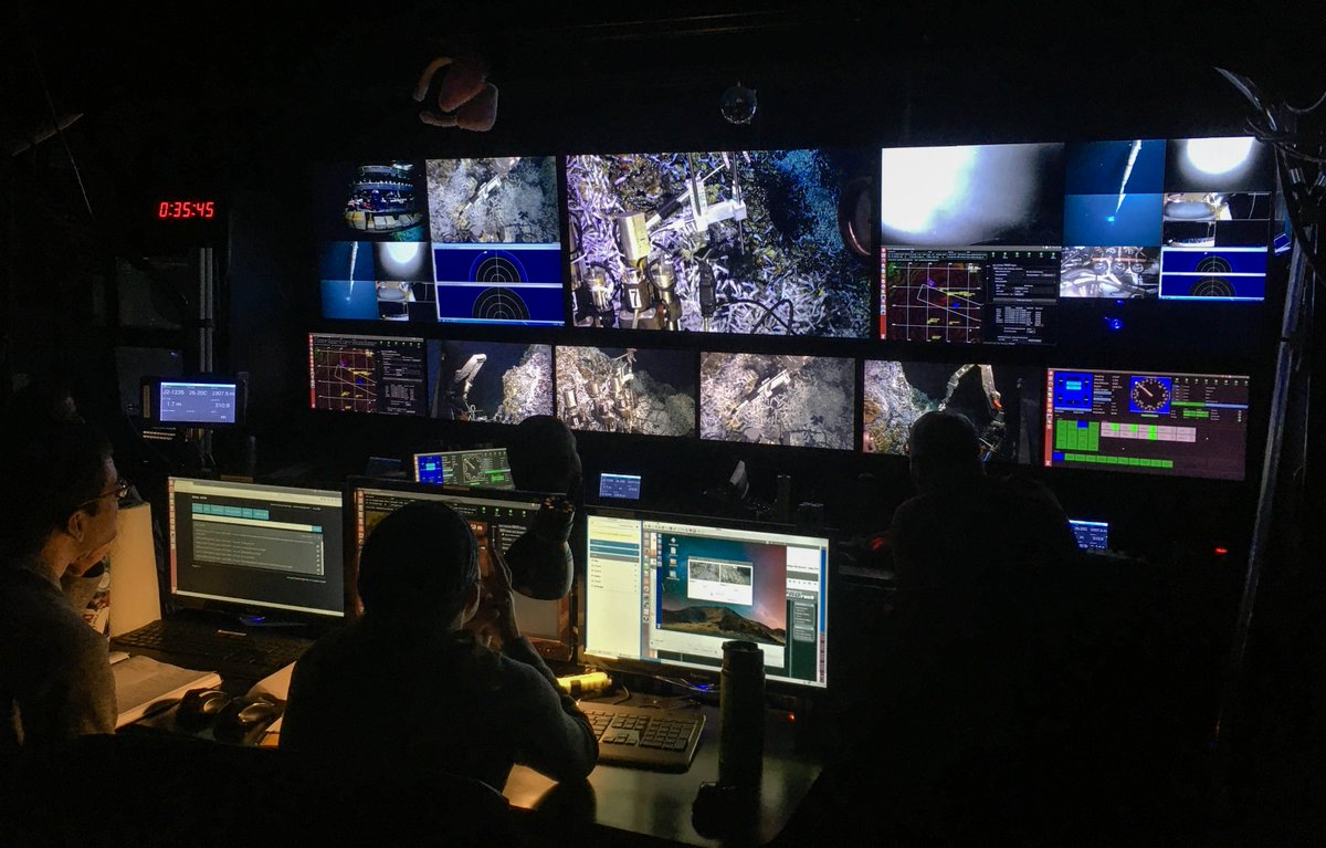 #RVAtlantis and #ROVJason are back at the #hydrothermalvents they last visited in 2012. Chris German's Q&A from that trip is a good reminder about what's so interesting about this part of the seafloor. @NSF_GEO #NSFfunded https://t.co/MYrolkkeAL