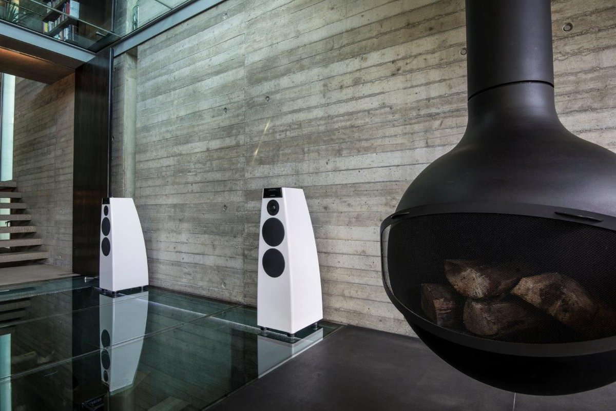 Experience Meridian At ISE 2020 - Essential Install https://buff.ly/2Ttlngz @MeridianAudio  @Barco @hometechgallery #smarthome #homeautomation #AVTweeps #tech @CEDIA_EMEA @ClarityAlliance #hifi  #AV  #Liveinstall pic.twitter.com/TiOHsZXBOL