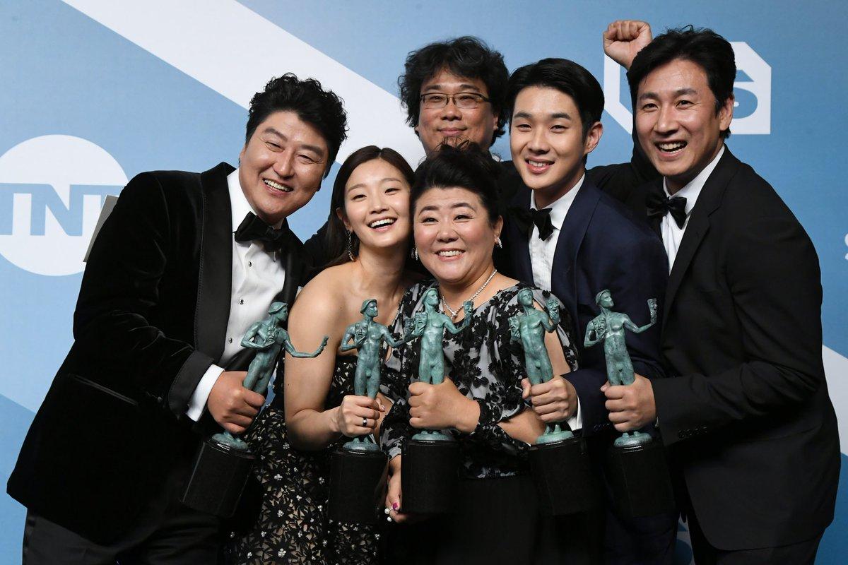Best Ensemble indeed. Congrats! #Parasite #SAGAwards #SAGAwards2020 #ParkSoDam #ChoiWooShik #LeeSunGyun #KangHoSong #BongJoonHopic.twitter.com/DYYJnKOW2T