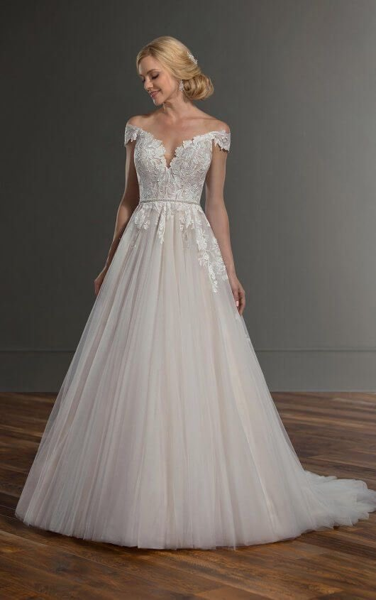 I would SO get married in this 😍❤️ twitter.com/fallingesny/st…