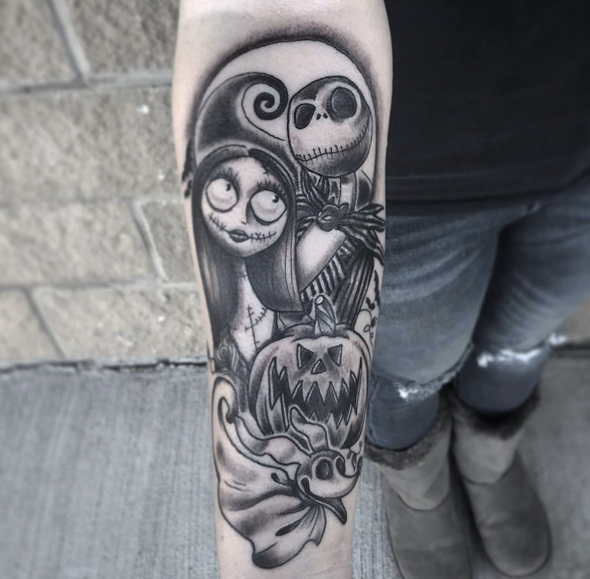 Nightmare Before Christmas piece! Love love love this one!   Don't forget to follow prettyininktats on Instagram for more!  #tattoos #ink #nightmarebeforechristmas #timburton #girlswhotattoo #prettyinink